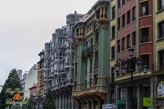 Casas del Cuitu en la Calle Uria de Oviedo, Asturias. España.