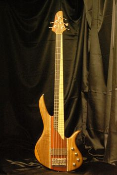 Megabass 5 string by Combat Guitars