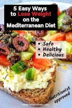 How to Lose Weight on a Mediterranean Diet - 5 Tips That Work! ideas How to Lose Weight on a Mediterranean Diet - 5 Tips That Work Best Diet Plan, Healthy Diet Plans, Diet Meal Plans, Best Healthy Diet, Paleo Diet, Ketogenic Diet, Meal Prep, Healthy Eating, Easy Mediterranean Diet Recipes