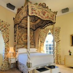 In love with this bed at Inveraray Castle, Inverary, Argyll, Scotland, UK.