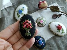 Embroidery Jewelry, Crewel Embroidery, Embroidery Designs, Handmade Gifts For Men, How To Make Toys, Stuffed Toys Patterns, Fabric Scraps, Paper Crafts, Christmas Ornaments