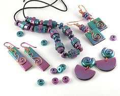 Faux Anodized Niobium Roll-up Beads. Great tutorial by Emma Ralph of EJR Beads.