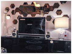 Love this mirror wall design from Ikea ! Ikea hexagon mirrors