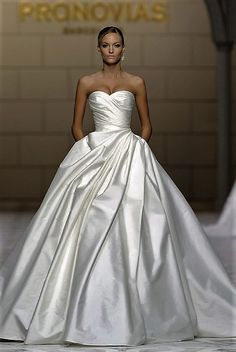 This dress is so beautiful.