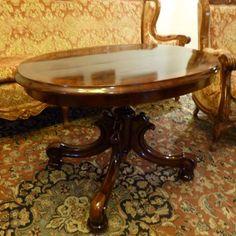 Eladó a képen látható csodálatos, régi neobarokk szalonasztal, vagy dohányzó asztal felújítva.  Asztal lapjának hossza: 95 cm, szélessége: 65 cm  Magassága: 65 cm  Kérdésekre szívesen válaszolok.