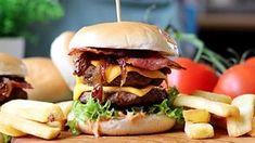 Cartofi gratinați cu șuncă și mozzarella - rețeta video • Bucatar Maniac • Blog culinar cu retete Dessert Bars, Sangria, Gnocchi, Tiramisu, Bacon, Desserts, Cook, Recipes, Appetizers