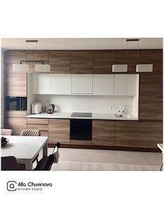 Este posibil ca imaginea să conţină: bucătărie şi interior Kitchen Room Design, Kitchen Cabinet Design, Home Decor Kitchen, Interior Design Kitchen, Home Kitchens, Modern Kitchen Interiors, Modern Kitchen Cabinets, Contemporary Kitchen Design, Guest Bathroom Remodel