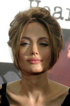 """Angelina Jolie """"la"""" Femme preferer sur la planete&mon actrice preferer. Sa ligne sur la levre es creer de facon naturelle, pour etre la Femme la plus aimer, HOT, Angie es Full Badass❤"""