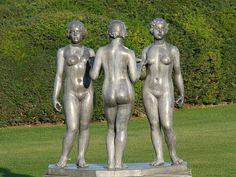 Les 3 nymphes d'Aristide Maillol au jardin des Tuileries à Paris.