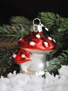 As though it were plucked from a whimsical forest, this Red Mushroom Glass Ornament will bring its magical charms to your tree.