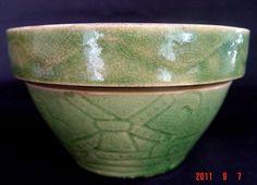 American Art pottery. A pretty little McCoy mixing bowl.