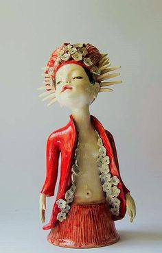 Clairy Laurence Pottery Sculpture, Ceramic Sculptures, Sculpture Art, Pottery Classes, Porcelain Clay, Ceramic Art, Art Lessons, Art Dolls, Whimsical