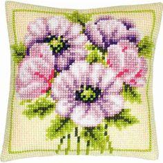 Stickpackung Kissen Blumen, 40 x 40 cm, Kreuzstich vorgezeichnet, 25,95 €, Sticken un