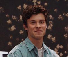 days to meet this cutie man ت Shawn Mendes Imagines, Shawn Mendes Cute, Kristen Stewart, Shawn Mendas, Canadian Boys, Chon Mendes, Shawn Mendes Wallpaper, Mendes Army, Cute Guys