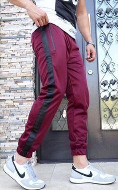 Pantaloni Trening `WIDE STRIPE` - GRENA & NEGRU (Cod: JOG10) - haine barbati Wide Stripes, Cod, Parachute Pants, Sports, Collection, Fashion, Hs Sports, Moda, Fashion Styles