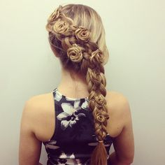 "Shannon Mustard on Instagram: ""Dutch 5 strand with mini rosettes inspired by @sweethearts_hair_design """