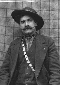 Coppersmith Gipsies in England. Whitechapel, 26 April 1914