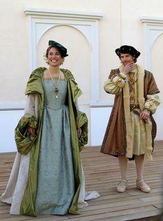 Caracterización de los personajes principales Carlos I y Juana de Portugal.