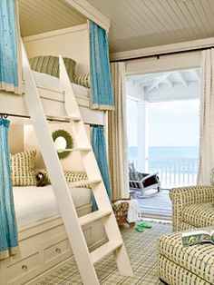 ⚓ Beach Cottage Life ⚓ Small bedroom, bunk beds