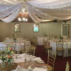 This colour scheme is classic and elegant. Reception Rooms, Reception Decorations, Table Decorations, Burgundy Room, How Beautiful, Color Schemes, Table Settings, The Originals, Ranges