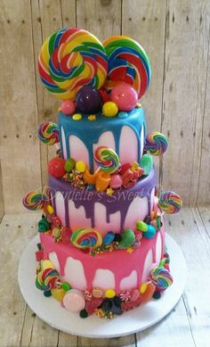 Best Photo of Candy Birthday Cake Candy Birthday Cake Willy Wonka Candy Themed Birthday Cake Candycrush Candy Cakes Pretty Cakes, Cute Cakes, Beautiful Cakes, Amazing Cakes, Torta Candy, Candy Cakes, Cupcake Cakes, Candy Theme Cake, Lollipop Cake