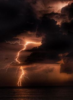 storms aesthetic Extreme WeatherYou can find Lightning storms and more on our website. Lightning Photography, Storm Photography, Nature Photography, Photography Tips, Portrait Photography, Wedding Photography, Pictures Of Lightning, Storm Pictures, Thunder And Lightning Storm