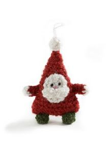 *Santa Claus Tree Ornament   Free pattern. [There is also a free pattern for an adorable mouse, and a cute little Christmas tree.]
