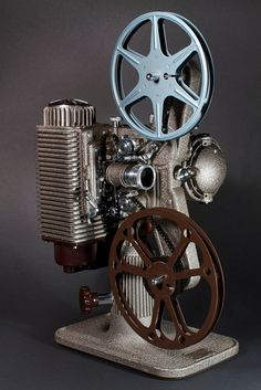 Revere Eight Projector ( FIlm 16mm / Vintage / Antique / Retro Machines 40s )