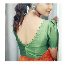 Stylish Blouse Back Neck Designs for Modern Look - Fashion Simple Blouse Designs, Stylish Blouse Design, Blouse Back Neck Designs, Most Beautiful Dresses, Beautiful Blouses, Mehandhi Designs, Crop Top With Jeans, Neck Designs For Suits, Traditional Fashion