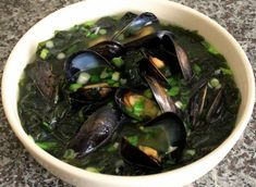 Seaweed soup with mussels (Honghap miyeokguk) - a sacred Korean food as women eat this soup after childbirth for one month, in order for their bodies to recover. Soothing and healing and nourishing - love the video, Maangchi is so cute! Korean Soup Recipes, Asian Recipes, Japanese Recipes, Asian Foods, Yummy Recipes, Korean Dishes, Korean Food, Mussels Seafood, Seafood Recipes