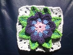 THE FLOWER BED: Waterlily Granny Squares