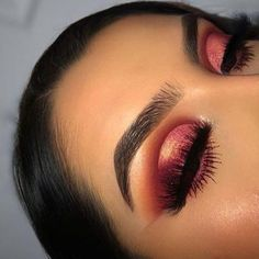 How To remove waterproof eyeliner? Make up eyes - If eyeliner and mascara are waterproof, this places special demands on your eye make-up remover. Glam Makeup, Cute Makeup, Gorgeous Makeup, Pretty Makeup, Skin Makeup, Makeup Inspo, Eyeshadow Makeup, Eyeshadows, Drugstore Makeup
