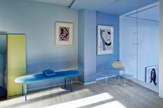 Droomloft in een oude kunstacademie met een héél fijn kleurenpalet - Roomed
