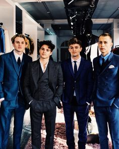 These gentle mens are soo hott. love them a lot Meet The Vamps, Brad The Vamps, Bradley Simpson, Will Simpson, New Hope Club, Pop Rock, 1d And 5sos, T Rex, Cool Bands