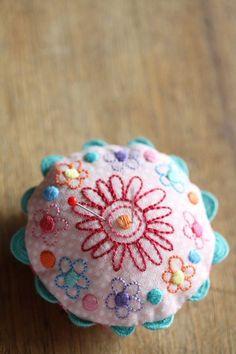 Sweet little pincushion @ Leanne's House
