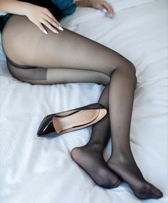 Nylons, Pantyhose Heels, Black Pantyhose, Sexy Legs And Heels, Sexy Feet, Silk Stockings, Women Legs, Girl Pictures, Character Shoes