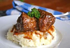 Grass Fed Short Ribs Recipe (tried Used Teff flour for flour in recipe - so it's gluten free. It's also dairy free. Crockpot Recipes For Two, Veal Recipes, Rib Recipes, Entree Recipes, Real Food Recipes, Cooker Recipes, Dinner Recipes, Braised Short Ribs, Beef Short Ribs