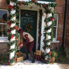 It's beginning to look a lot like Christmas – R&R Country Christmas Photos, Christmas Wreaths, Merry Christmas, Photo Shoot, Holiday Decor, Blog, Home Decor, Country, House Decorations