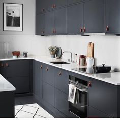 3 Well Cool Ideas: Minimalist Bedroom Purple Bed Frames minimalist home design floor plans.Minimalist Home Tour With Kids cozy minimalist bedroom bohemian. Kitchen On A Budget, New Kitchen, Kitchen Dining, Kitchen Decor, Kitchen Grey, Bistro Kitchen, Compact Kitchen, Kitchen Small, Kitchen Colors