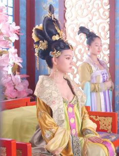 Ancient Chinese fashion Hanfu(traditional Chinese costume) in 'Empress of China'.
