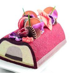 Entremet douceurs vanille #patisserie #patissier #chefpatissier #love #loveit #excited #goodlife #good  #foodporn #instafood #foodie  #yummy #delish #delicious #dessert #patisserie #mypushup https://www.mypushup.com #chef #foodporn #pastrychef #instalike #instagram #bestoftheday #hautecouture #yummy #tagsforlikes #pastryart #workshop #entremets #mypushup