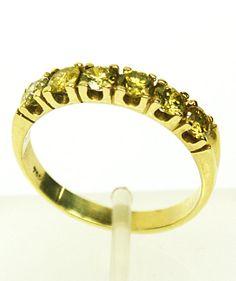 Meia Aliança em Ouro 18k e Diamantes Amarelos - R$ 2.832,00