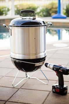 DIY mini bbq smoker. I need to build one of these!