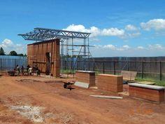 A Entebbe 35 km a sudovest di Kampala capitale dell'Uganda sul lago Vittoria sono in corso i lavori di realizzazione del Children's Surgery Center il progetto