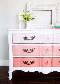 The easiest tutorial on how to paint furniture ...creating a DIY ombre dresser. Just 4 easy steps to creating this look, and it's prefect to do for your older kids or Tweens/teens bedroom!
