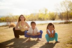 Kids Yoga Speak teaches Mandarin Chinese through yoga and storytelling.