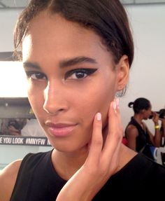 Backstage Beauty: Cushnie et Ochs Spring/Summer 2015