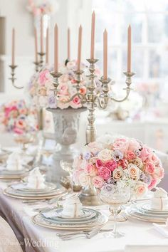 I love the combination of colors in these table arrangements! Tablescape | Parisian Princess