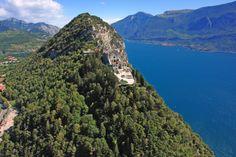 Vista mozzafiato dal Santuario di Montecastello. www.tignale.org