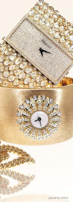 Accessories in gold and diamonds